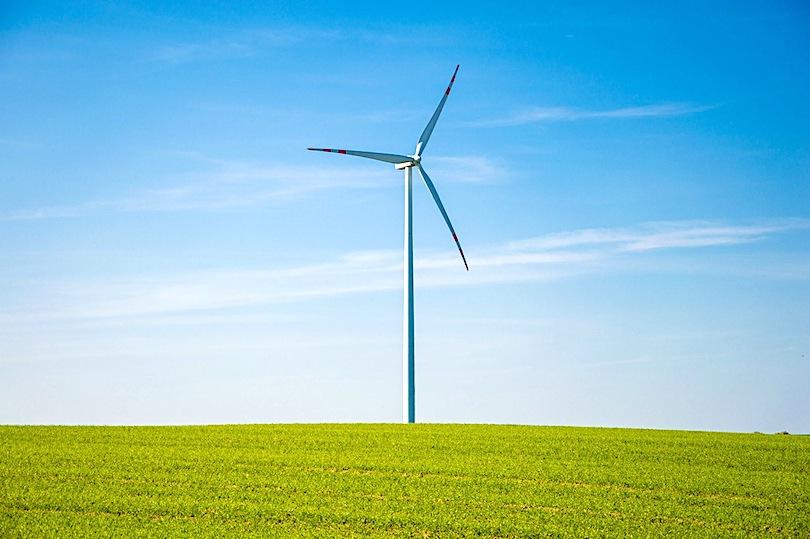 Wind turbine connected via fixed IP data sim